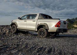Rộ tin Toyota Hilux 2021 sẽ được chuyển sang lắp ráp trong nước